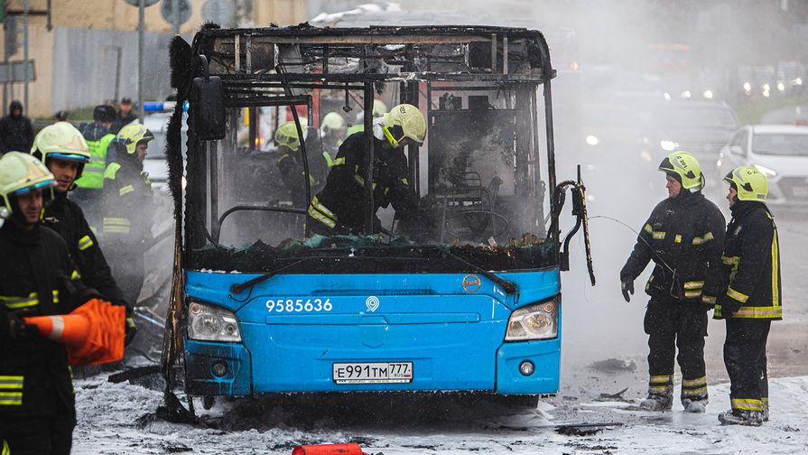 Идет, картинки пинских городских автобусов