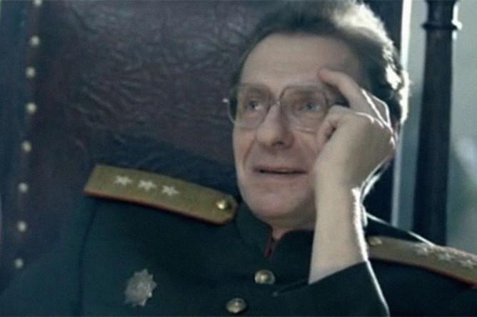 Олег Треповский в сериале «Кедр» пронзает небо» (2011)