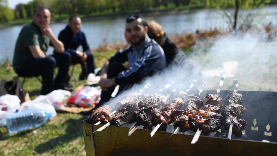 Роструд объяснил, как увеличить количество выходных во время майских праздников
