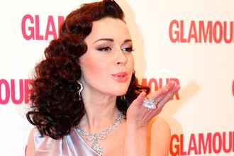 Актриса Анастасия Заворотнюк на церемонии вручения премии «Женщина года Glamour 2009»
