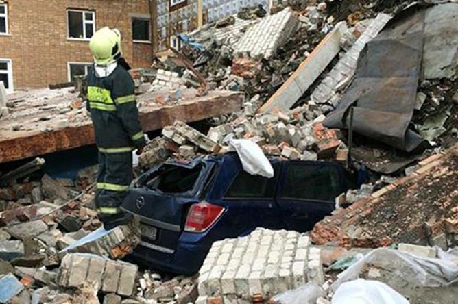 На месте обрушения пятиэтажного здания на Волгоградском проспекте