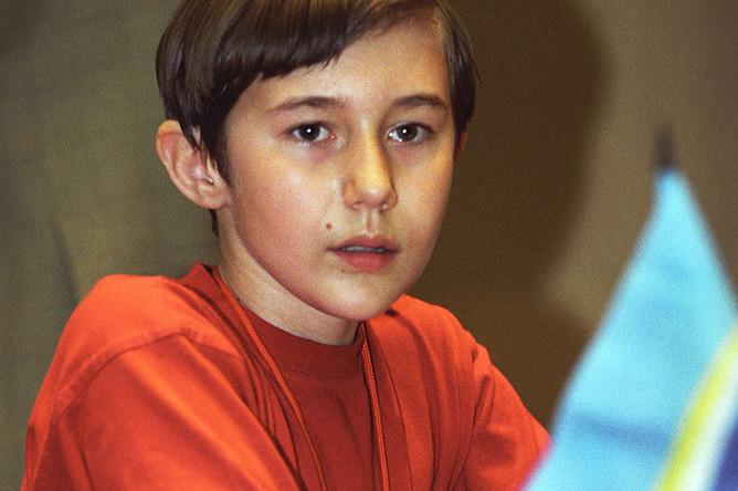 В 2002 году Сергей Карякин, набрав все необходимые баллы в зачет гроссмейстерской нормы, стал самым юным гроссмейстером в истории шахмат