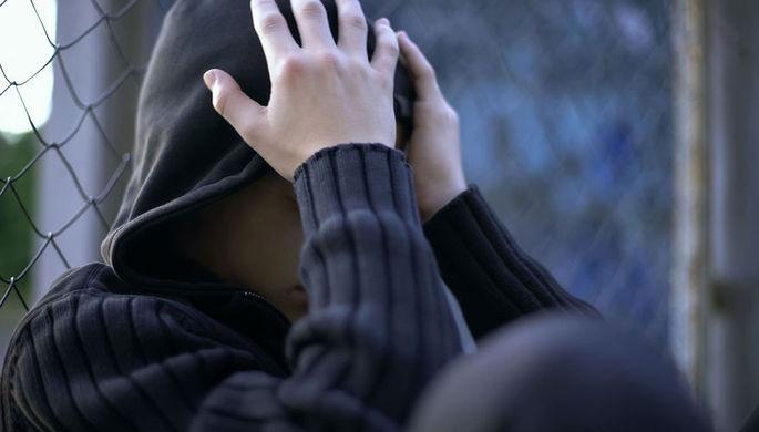 Под дулом пистолета: за что подростки избили сверстника