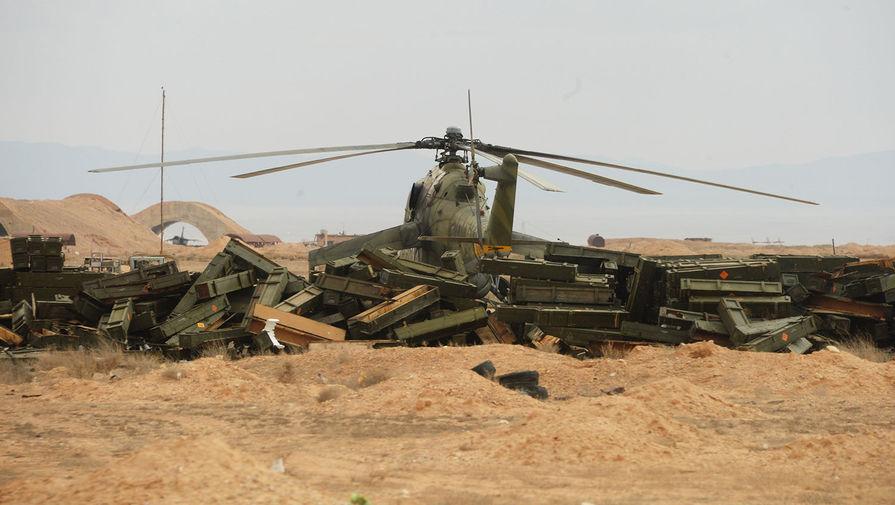 Упал к боевикам: в Сирии сбили вертолет Ми-17