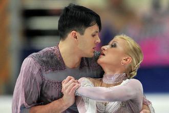 Фаворитами соревнований спортивных пар считаются Татьяна Волосожар и Максим Траньков