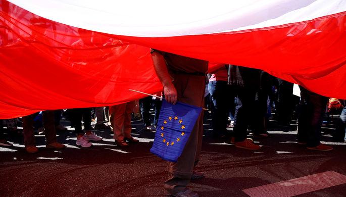 Польша хочет выслать российских дипломатов из солидарности с Британией