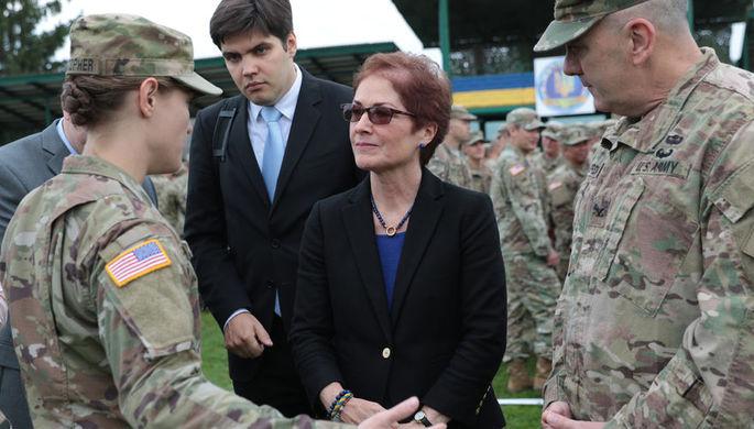 Чрезвычайный и полномочный посол США на Украине Мари Йованович на церемонии открытия военных учений Rapid Trident-2017 на Яворовском полигоне в Львовской области, 2017 год