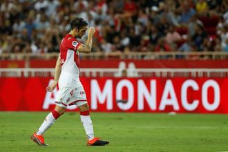 Полузащитник «Монако» Сеск Фабрегас в матче 1-го тура Лиги 1 против «Лиона» (0:3)