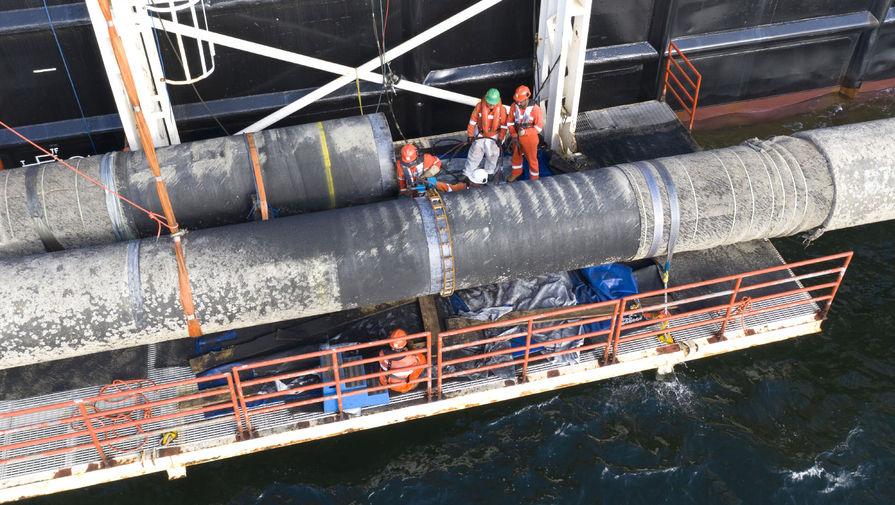 В водах Дании возобновили укладку Северного потока - 2
