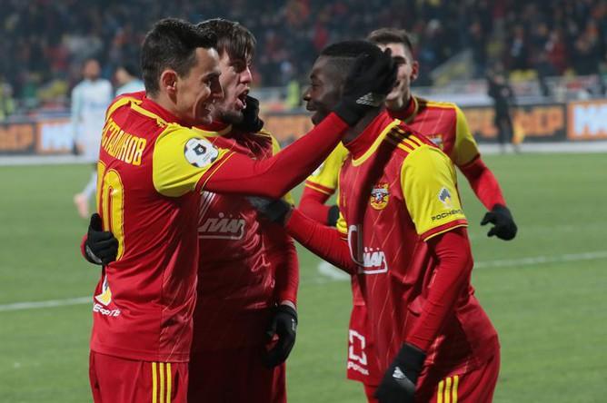 Игроки тульского «Арсенала» в матче с «Зенитом»