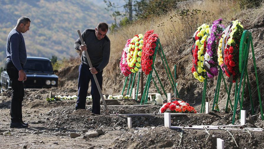 «Благодаря усилиям России»: Баку передал Еревану тела погибших солдат