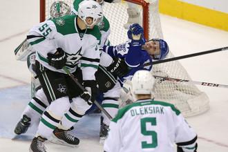 Гол защитника «Далласа» Сергея Гончара (№55) не помог его команде обыграть «Торонто»