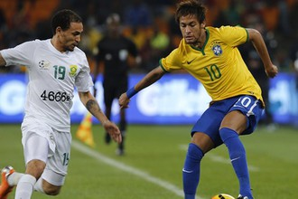 Бразилец Неймар оформил хет-трик в матче против сборной ЮАР