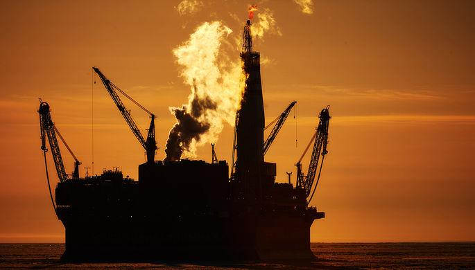 Нефтедобывающая платформа «Приразломная», март 2015 года