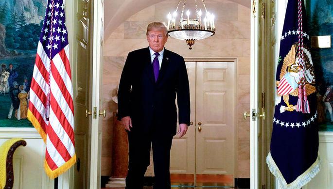 Президент США Дональд Трамп в Белом доме перед заявлением о нанесении ударов по целям в Сирии, 14...