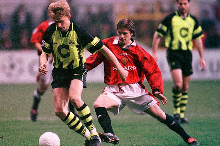 Дэвид Бекхэм во время матча Лиги чемпионов, 1997 год