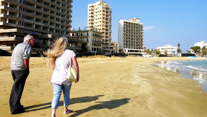Заброшен с 1974 года: на Кипре открылся курорт-призрак