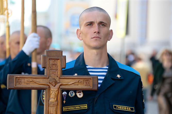 Крестный ход от храма Илии Пророка до Красной площади в рамках празднования Дня ВДВ в Москве
