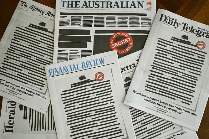 Ведущие австралийские газеты вышли с закрашенными первыми полосами в знак протеста против законов о национальной безопасности, 21 октября 2019 года