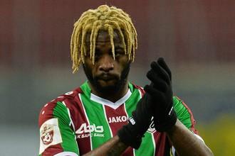 Камерунский полузащитник «Рубина» Алекс Сонг может быть переведен в дубль команды из-за конфликта со старожилами клуба