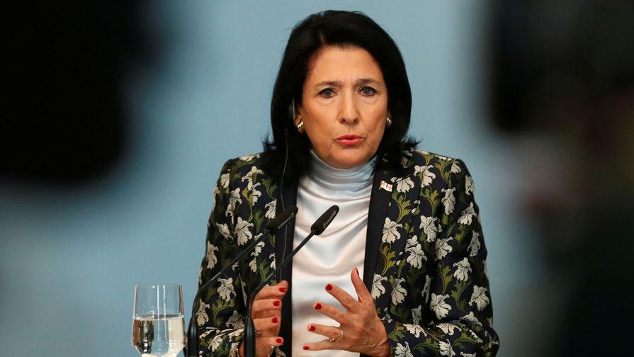Президент Грузии осудила включение советского гимна в парламенте страны