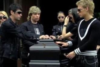 Похороны отменяются?