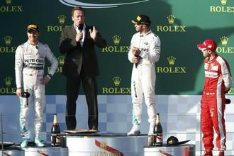 Арнольд Шварценеггер взял интервью у призеров Гран-при Австралии