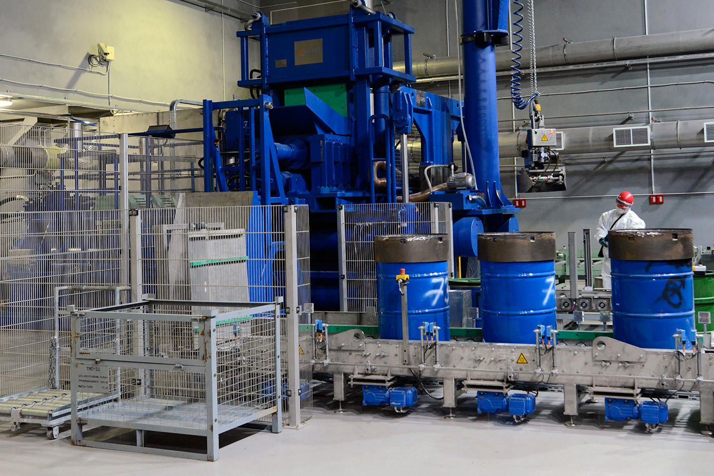 Способы утилизации радиоактивных отходов. Сжигание и уплотнение