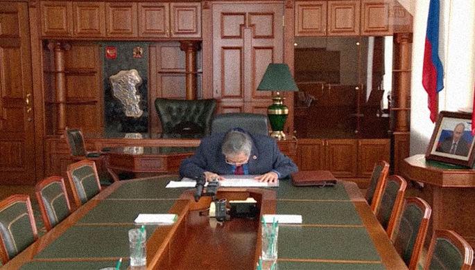 Аман Тулеев заявил, что подал прошение о своей отставке. «Примите поклон» —сказал он в...