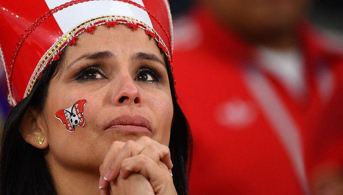 Болельщица сборной Перу после окончания матча группового этапа чемпионата мира по футболу между...