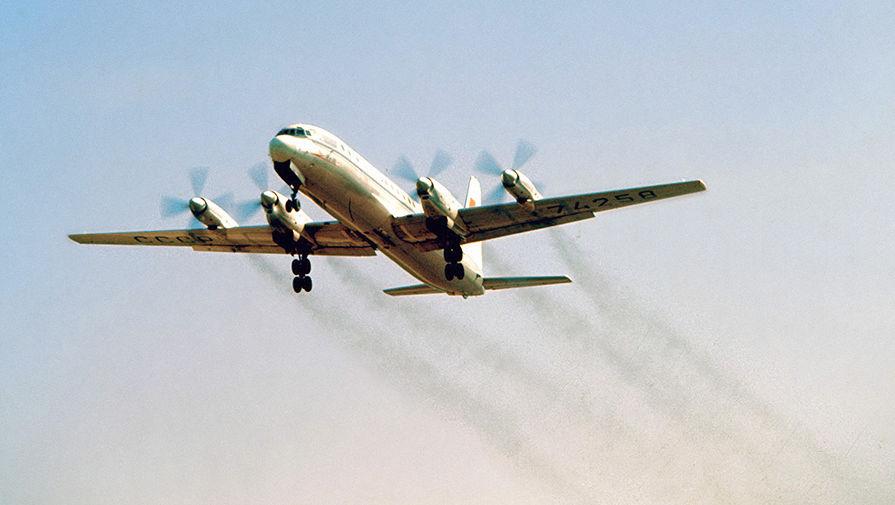Самолет Ил-18 (из архива)