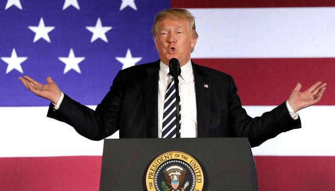 Президент США Дональд Трамп во время мероприятия в Шарлотте, штат Северная Каролина, 31 августа 2018...