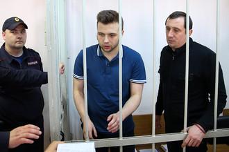 Александр Марголин и Илья Гущин (справа налево) во время слушаний в Замоскворецком суде