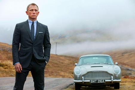 Какие Aston Martin были у Джеймса Бонда