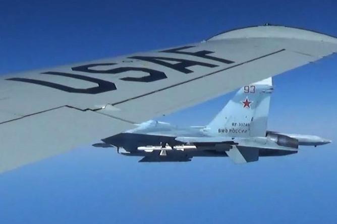 Сближение российского истребителя Су-27 с американским самолетом RC-135U над Балтийским морем, 19 июня 2017 года
