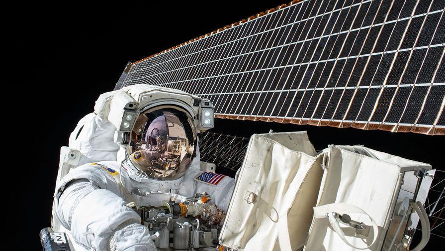 Размер скафандра помешал первому в истории выходу двух женщин в открытый космос