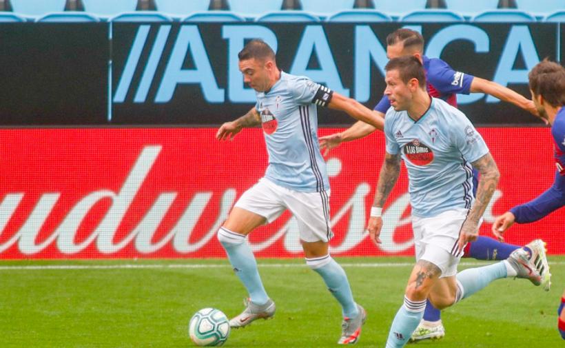 Федор Смолов и Яго Аспас в матче «Сельта» — «Барселона»