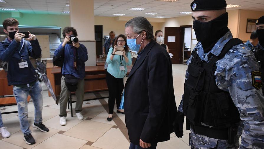 Михаил Ефремов в Пресненском суде Москвы в день оглашения приговора по делу о смертельном ДТП, 8 сентября 2020 года