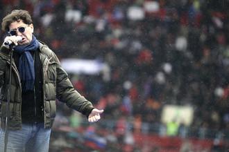 Певец Григорий Лепс на митинге «Защитим страну!» в поддержку кандидата в президенты России Владимира Путина в «Лужниках», 2012 год