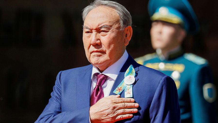Президент Казахстана Нурсултан Назарбаев во время мероприятий в честь Дня Победы в Алма-Ате, 9 мая 2018 года