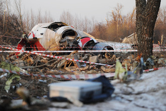 Обломки самолета Леха Качиньского, упавшего под Смоленском