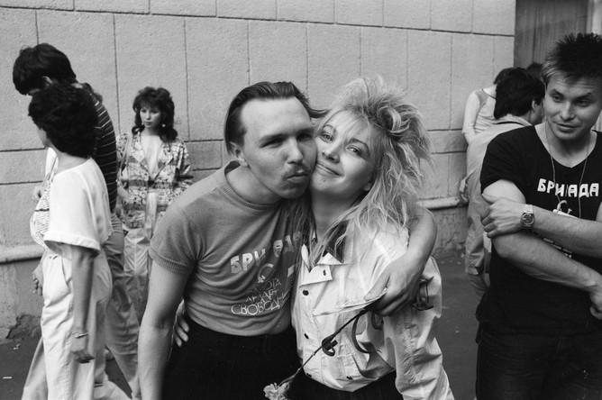 Гарик Сукачев с поклонницей, 1987 год