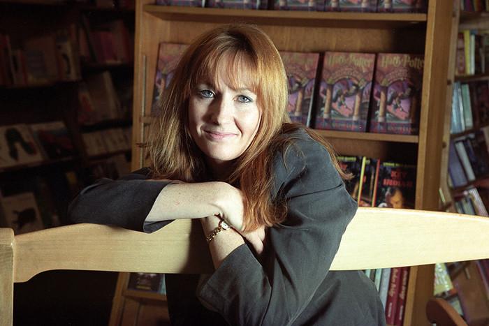 Роулинг долго не могла найти издателя, который бы решился опубликовать ее первый роман. На фото: в...