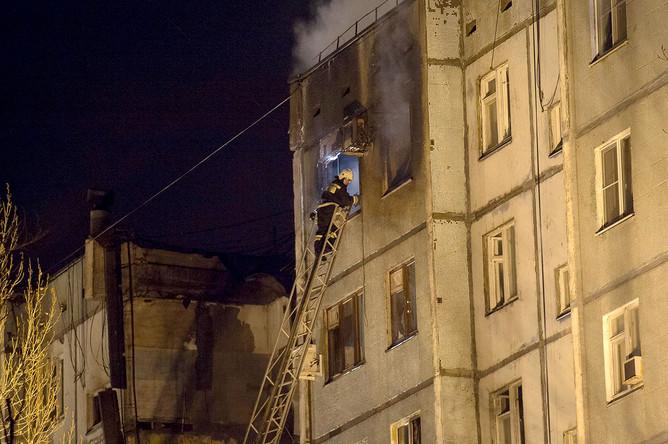 На месте взрыва в многоквартирном жилом доме по улице Космонавтов в Волгограде