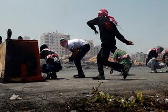 Столкновения палестинских протестующих и израильских военных около поселения Бейт-Эль, 24 июля 2017 года