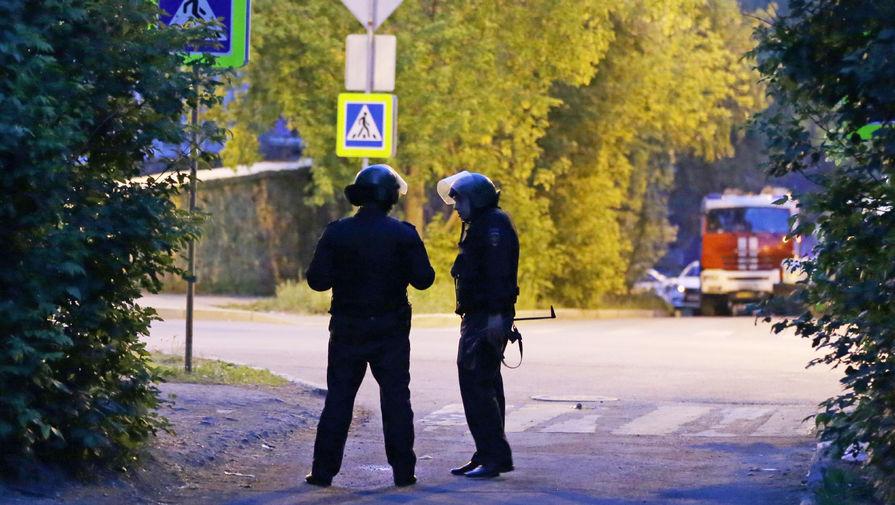 СК опубликовал кадры задержания устроившего стрельбу в Екатеринбурге мужчины