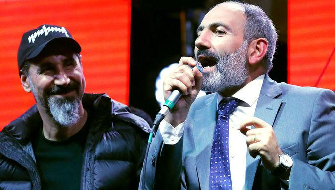 Американский музыкант Серж Танкян и руководитель оппозиционной парламентской фракции...