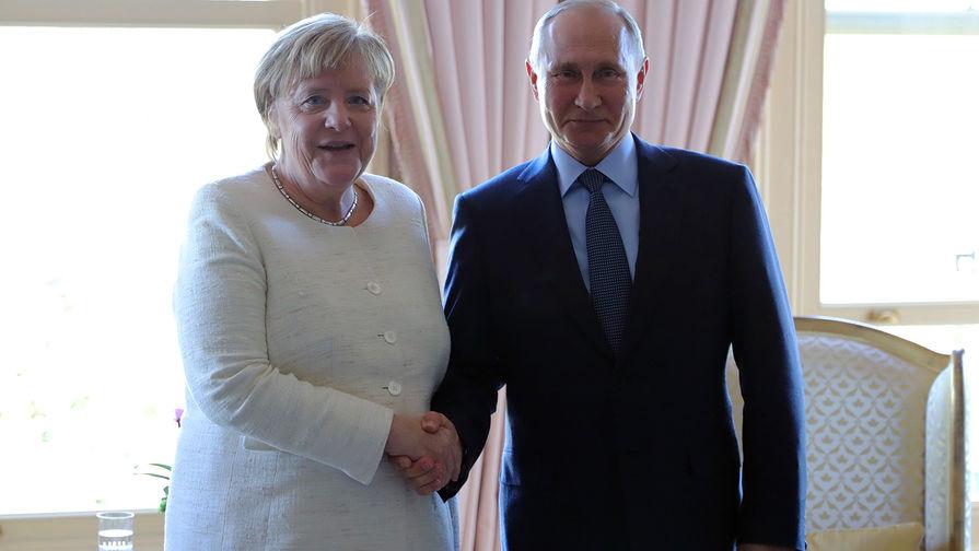 """Меркель """"вызвала тошноту"""" у Bild рукопожатием с Путиным и Эрдоганом"""