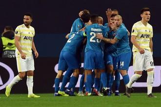 «Зенит» в ответном матче 1/16 финала Лиги Европы дома победил турецкий «Фенербахче»