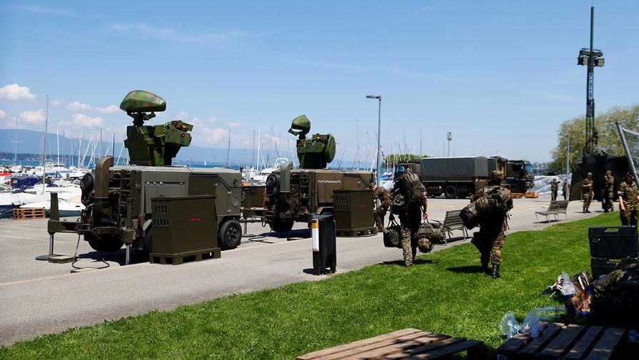 Военные радары рядом с виллой La Grange в Женеве